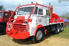 Daf A2200 (Monde-Auto Passion Photos) Tags: voiture vehicule auto automobile daf camion poidslourd truck ancienne classique rare rareté rassemblement evenement france courtenay red rouge blanc white grue
