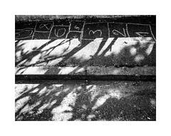 Sans fin (hélène chantemerle) Tags: sol ombre marelle lumière noirblanc ground shadow hopscotch light blackwhite street