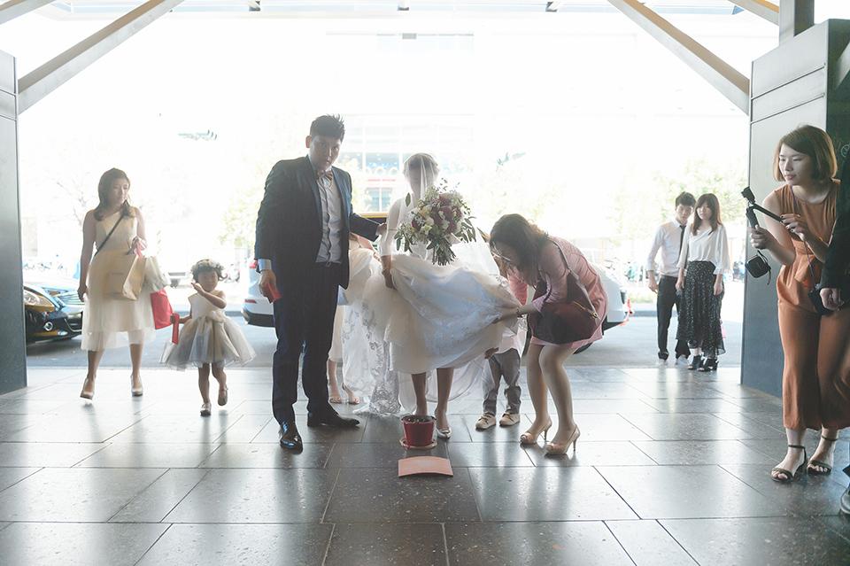 高雄婚攝-MLD台鋁晶綺盛宴黃金廳-051