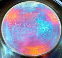 Steel Map (greenoid) Tags: kettlebarbecue kugelgrill stahl steel bowl schüssel farben regenbogen colors colours bunt rätsel riddle