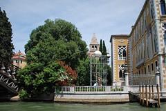 Escultura en Venecia (Italia, 17-6-2017) (Juanje Orío) Tags: 2017 venecia venezia italia italy patrimoniodelahumanidad worldheritage escultura sculpture canal agua water