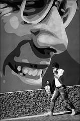 the way you make me laugh (bostankorkulugu) Tags: man walk pao orticanoodles mural murals graffiti milan milano cardinale andreaferrari piazza smile wall art lombardia lombardy artwork italy italia paolobordino ivantresoldi waltercontipelli alessandramontanari light phone mobile cellphone