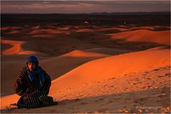 Ibrahim (Sandra Lipproß) Tags: ergchebbi sunset sonnenuntergang wüste desert sand dünen dunes africa afrika travel reise morocco marokko lemaroc himmel sky المغرب عرقالشبي almaġrib sandralippross portrait porträt people