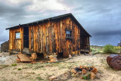 Joe's propped-up cabin (Chief Bwana) Tags: az arizona joesranch joestank pariaplateau cabin ruins psa104 chiefbwana