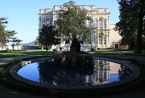 Beylerbeyi Palace and garden