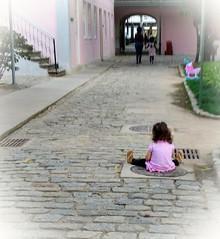 meu espaço (luyunes) Tags: corderosa casaderuibarbosa criança children kids brincar brincadeira brinquedo jardim motozplay mobilephoto mobilephotographie luciayunes