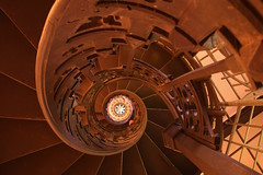 Spirale Hessenstein (Elbmaedchen) Tags: staircase stairwell stufen treppenauge treppe panker hessenstein ostholstein howacht ostsee wendeltreppe gusseisern pilsberg schleswigholstein