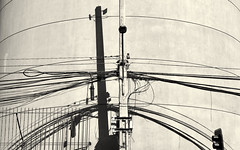 Santiago, 2018 (gregorywass) Tags: wires street light electric traffic bw monochrome shadow santiago may 2018 geometric
