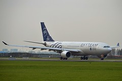 "China Southern Airlines B-6528 Airbus A330-223 cn/1202 Painted in ""SkyTeam"" special colours @ Aalsmeerbaan EHAM / AMS 04-11-2017 (Nabil Molinari Photography) Tags: china southern airlines b6528 airbus a330223 cn1202 painted skyteam special colours aalsmeerbaan eham ams 04112017"