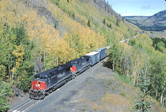 SP 169 Eastbound Freight at Dean Tunnels near Pando, CO September 19, 1996 (blupenny99) Tags: tennesseepass trains railroads sp southernpacificrr fallcolor espee colorado