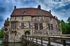 Burg Vischering, Lüdinghausen (HDR). (wimjee) Tags: nikond7200 nikon d7200 afsdx18–55mmf35–5vrii kasteel castle burg burcht waterburcht vischering lüdinghausen duitsland highdynamicrange hdr hdrefexpro2 niksoftware