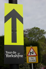 This way (barronr) Tags: england knaresborough rkabworks sign tourdeyorkshire yorkshire bathgatephotographer cycling race