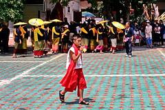 "Chomtong Celebrations. (ol'pete) Tags: วัดพระธาตุศรีจอม ทองwatphrathatsichomtong buddhist พุทธศาสนิชน chiangmai เชียงใหม่ elders'festival รดน้ำดำหัว thailand ประเทศไทย เมืองไทย festival งานฉลอง ""canoneos350d"" ""efs1855mm"" ""earthasia"""