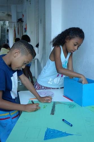 Les enfants ont ensuite fait des dessins pour vous montrer leur favela