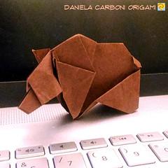"Origami Challenge 5/365  ""Orso""  Modello creato nel 1995.  ---------------------------------------------------  ""Bear""  Model created in 1995.  #origami #cartapiegata #paperfolding #papiroflexia  #paper #paperart #createdandfolded #originaldesign   #danie (Nocciola_) Tags: paperart cartapiegata createdandfolded papiroflexia paperfolding originaldesign danielacarboniorigami paper origami"