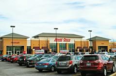 Jewel Osco - Huntley, Illinois (Cragin Spring) Tags: illinois il midwest unitedstates usa unitedstatesofamerica jewelosco osco jewel jewelfoodstore car parkinglot huntley huntleyil huntleyillinois grocery grocerystore