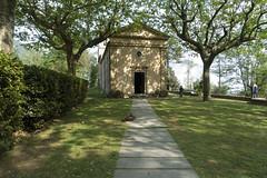 La chiesa di Sant'Anna di Stazzema (Luca Rodriguez) Tags: capriglia gabberi lucarodriguez apuane alpiapuane montagna mountain trekking hiking toscana tuscany versilia santannadistazzema