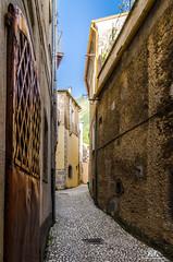 San Donato Val di Comino (Abulafia82) Tags: pentax pentaxk5 k5 ricoh ricohimaging ciociaria lazio italia italy sandonatovaldicomino urbano urban city città architetturaurbana vicoli centrostorico alleys oldtowncentre