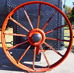 Engine Wheel (Ggreybeard) Tags: wheel steam engine gainsborough co marshallsonsco spokes liverpool nsw lighthorsepark rivets steel