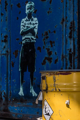 BLUE YELLOW (michael_hamburg69) Tags: hamburg germany deutschland hansestadt streetart urbanart boy blue artist künstler tona oberhafen fischbaum symbol umweltgefährdend ghs9