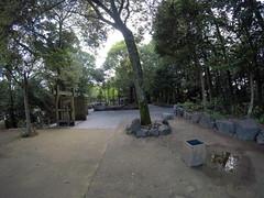 Nino front gate3 _orig_LG (Hazbones) Tags: iwakuni yamaguchi yokoyama castle kikkawa suo chugoku mori honmaru ninomaru demaru wall armor samurai spear teppo gun matchlock map ropeway