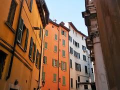 Brescia - Vicolo San Giuseppe (magellano) Tags: brescia italia italy vicolo sangiovanni casa house palazzo building colore color colour facciata facade