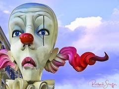 Sad Clown of Valencia (Dick Shaffer) Tags: spain clown lasfallas valencia travel traveling festival