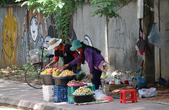 Street Vendors (Cambodia) (ID Hearn Mackinnon) Tags: siem reap cambodia cambodian kampuchea asia asian south east 2017 vendor street food preparing travel tourism