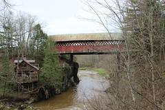 Pont de la Frontière (pegase1972) Tags: québec quebec canada estrie pont bridge coveredbridge qc easterntownships rivière river