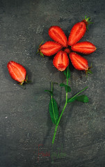 fraises fraiches (Chocolatine photos) Tags: fraise fleu rouge macromademoiselle