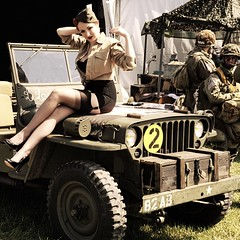 Pinup Wings 2018 vintage 1 (xim17) Tags: pinup ww2 jeep sexy vintage nylons willys bas wwii legs stockings