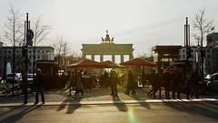 Unter den Linden, Berlin (Guill_B) Tags: photomechanic europe allemagne de deu germany berlin évènement event anniversaire birthday födelsdag 40ans 40år 40years portedebrandebourg brandebourggate