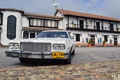 Fachadas (Tato Avila) Tags: colombia colores cálido casas arquitectura boyacá tibasosa carro car nikon colombiamundomágico