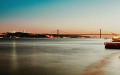 Ponte Vasco da Gama (Toledo 22) Tags: bridgecompany ponte ponte25deabril hängebrücke blauestunde blue bridge expo98 sonnenuntergang night langzeitbelichtung lisboa pontevascodagama atlantik brücke schrägseilbrücke tejo portugal lissabon