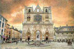 Double tower (Jean-Michel Priaux) Tags: primatiale saintjean lyon church cathédrale city rhône priaux lumix hdr tower medieval gothique roman gothic patrimoine patrymony patrimony auvergne religion photoshop
