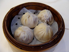 Xiao Long Bao at Lee Garden (knightbefore_99) Tags: chinese cantonese tasty lunch food work kingsway vancouver burnaby best leegarden xiaolongbao soup dumpling pork fantastic steamed basket art