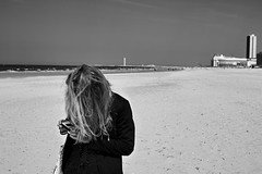 Oostende, Belgium (bm^) Tags: art oostende westvlaanderen belgië girl vrouw meisje girls woman femme femmes fille sexy strand beach zee sea noordzee northsea haar hair wild wind benen flandre occidentale zwart wit zwartwit bw black white blackwhite zf2 planart1450 nikon d700 zeiss carl nikond700 planar5014zf ostend women mosaïc