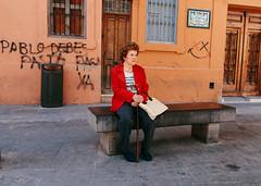 ... (J. Garcia2011) Tags: color callejera urbano urbana calle streetphotography street g11 valencia comunidadvalenciana gente people