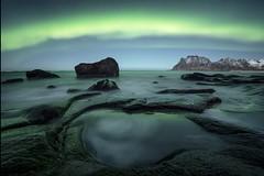 Pensant en verd (tofercu) Tags: nit landscape utakliev auroraboreal winter hivern norge noruega lofoten canon tofercu