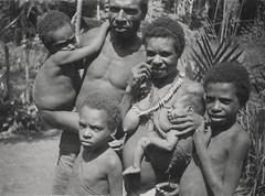 Diversen-van der Hoeven-005-2-Samarokena 1950 (Stichting Papua Erfgoed) Tags: papua stichtingpapuaerfgoed pace papuaheritagefoundation nederlandsnieuwguinea irianjaya irianbarat newguinea voormalignederlandsnieuwguinea anthonyvankampen