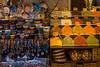 Istanbul, 2 en 1 (Aicbon) Tags: verde istanbul estambul turkey turquía market bazar especias egipcio granbazar colors colores interior indoor europa europe city ciudad canon 6d detal shop tienda aparador spice souvenir recuerdos alimentación