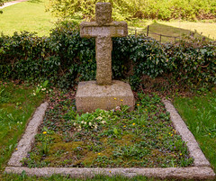 Family Grave  of Hancock. (Air Frame Photography) Tags: cwgc broughton oxfordshire grave ww1 lest we forget ww2