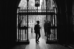 Westminster Abbey (Borvornrut) Tags: london paris streetphotography people museum louvre metro underground uk france blackandwhite spring art