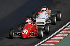 9o - Ronan Quigley holds off Peter Sikstrom (Boris1964) Tags: 2006 formulafordfestival brandshatch