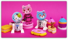 Star candy wars . (peter-ray) Tags: star wars candy minifigure droid lego c1p8 rdd2 moc gomme dolci brick peter ray mignon dog cat micio nx2000 samsung rosa