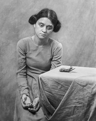 (Magdalena Roeseler) Tags: bw sw woman sad female people portrait death art