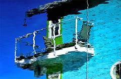 Sunny Houseboat Balcony (Konny :-))) Tags: houseboat hausboot casagalleggiante péniche casaflotante casaflutuante balcony balkon balcão balcón balcon balcone parveke balkong husbåten asuntolaiva woonboot πλωτόσπίτι плавучийдом barkamieszkalna husbåt casaflotant 船屋 סירתמגורי المركب yüzenev lakóhajó