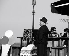 (Monia Sbreni) Tags: persone streetphoto man venezia venice italy pesce