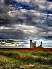 #Rojo, #piedra y #arcoiris  #caudilla #kodak #pixpro #az521 #campo #nubes #cielo #castillo #amapolas #primavera #igerstorrijos #igerstoledo #fields #castle #spring #flowers #rainbow (@josembenayas) Tags: kodak rainbow igerstoledo amapolas nubes castillo castle caudilla rojo az521 cielo igerstorrijos spring fields arcoiris piedra flowers pixpro primavera campo