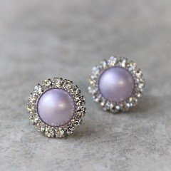 Lavender pearl earrings! Ships in a gift box! https://t.co/csQYilaYJs #jewelry #Earrings #cute #gift #wedding https://t.co/GwnsdF0M50 (petalperceptions.etsy.com) Tags: etsy gift shop fashion jewelry cute